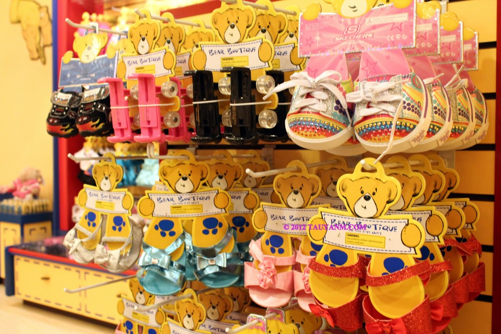 build a bear international expansion into the 2011-06-20  international retailing education and training  the home depot considers entering china   the expansion into canada and mexico was accomplished though the acquisition of.
